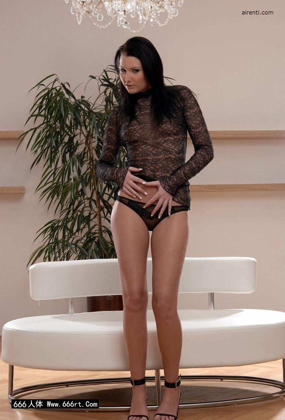超模Janet居家室拍薄透情趣内裤写照