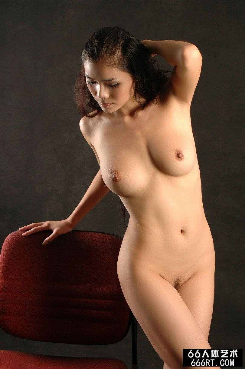 人体艺木艺9040_xixi模特丽娜07年9月1日室拍人体