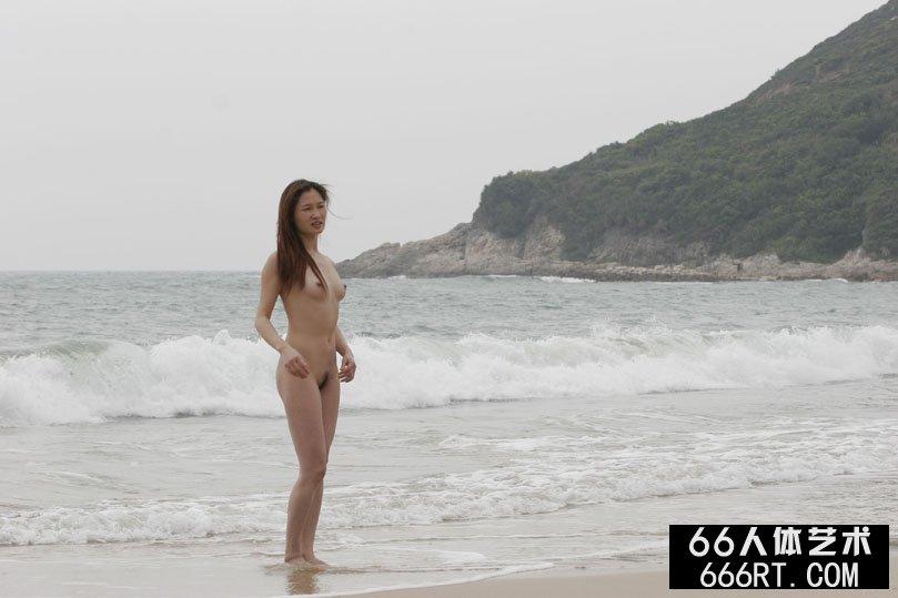 嫩模珊珊05年4月5日海滩外拍_亚洲欧洲日韩天堂无吗