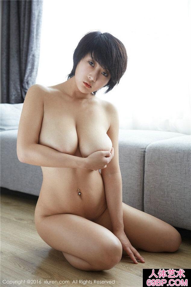 超级大胸靓女雨瞳Yoyo火爆人体摄影
