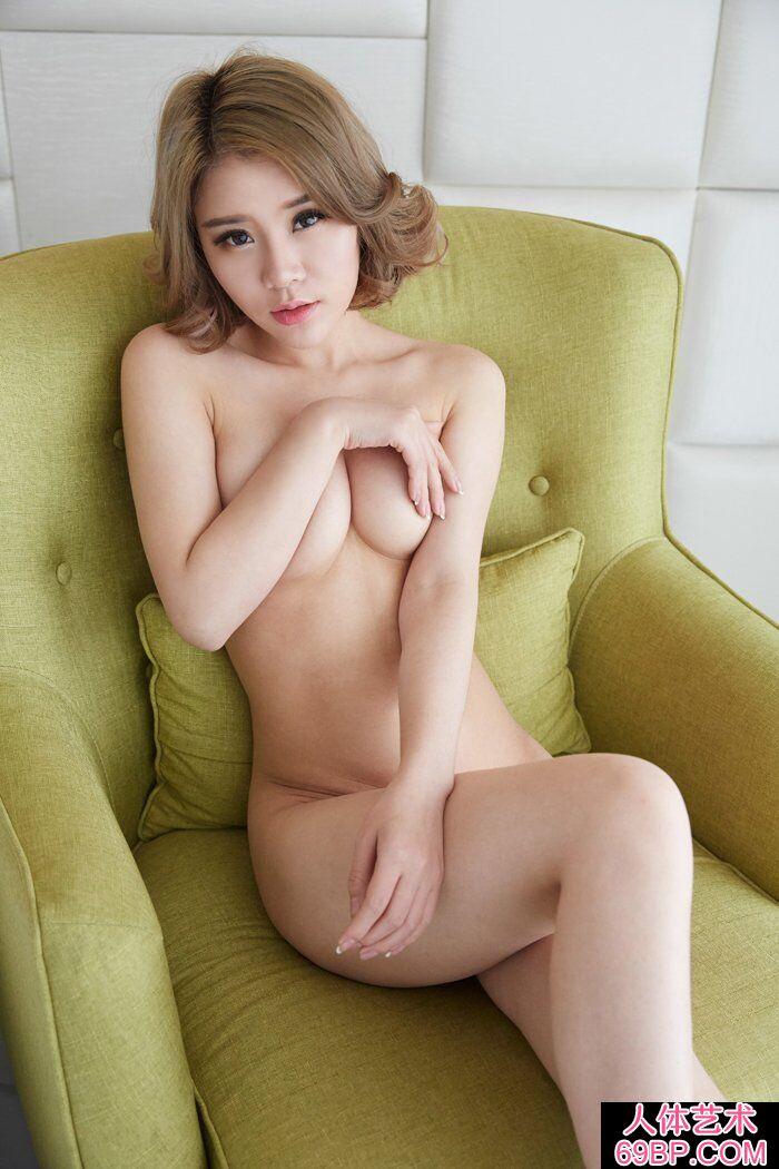 洋气的华裔美模Lisa私家人体摄影