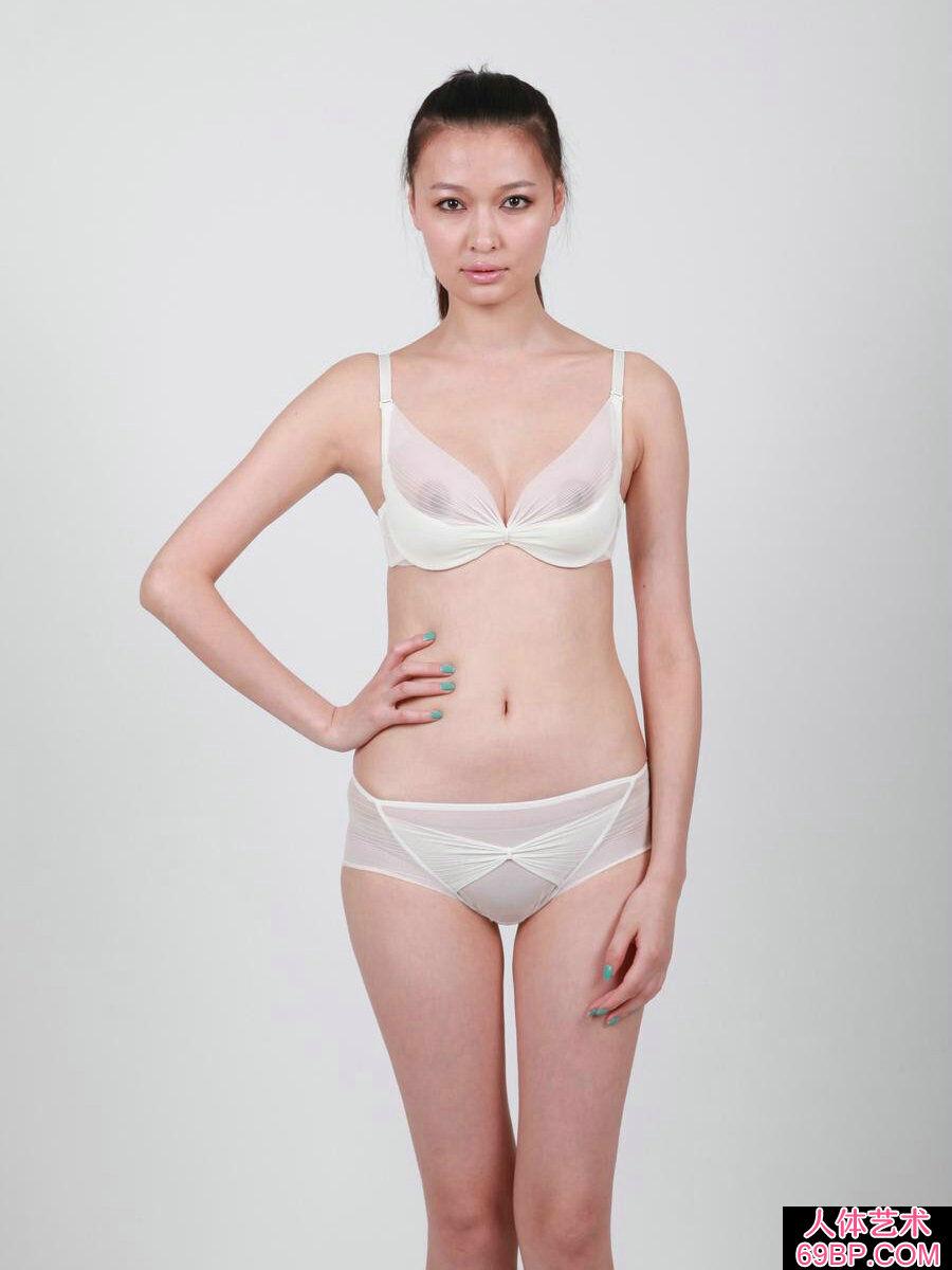 长相一般的超模王慧穿透明内裤人体摄影