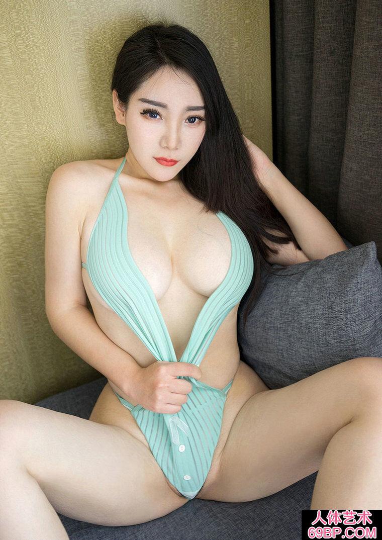 摄人心魄的美臀巨胸美人歆颜丰润人体