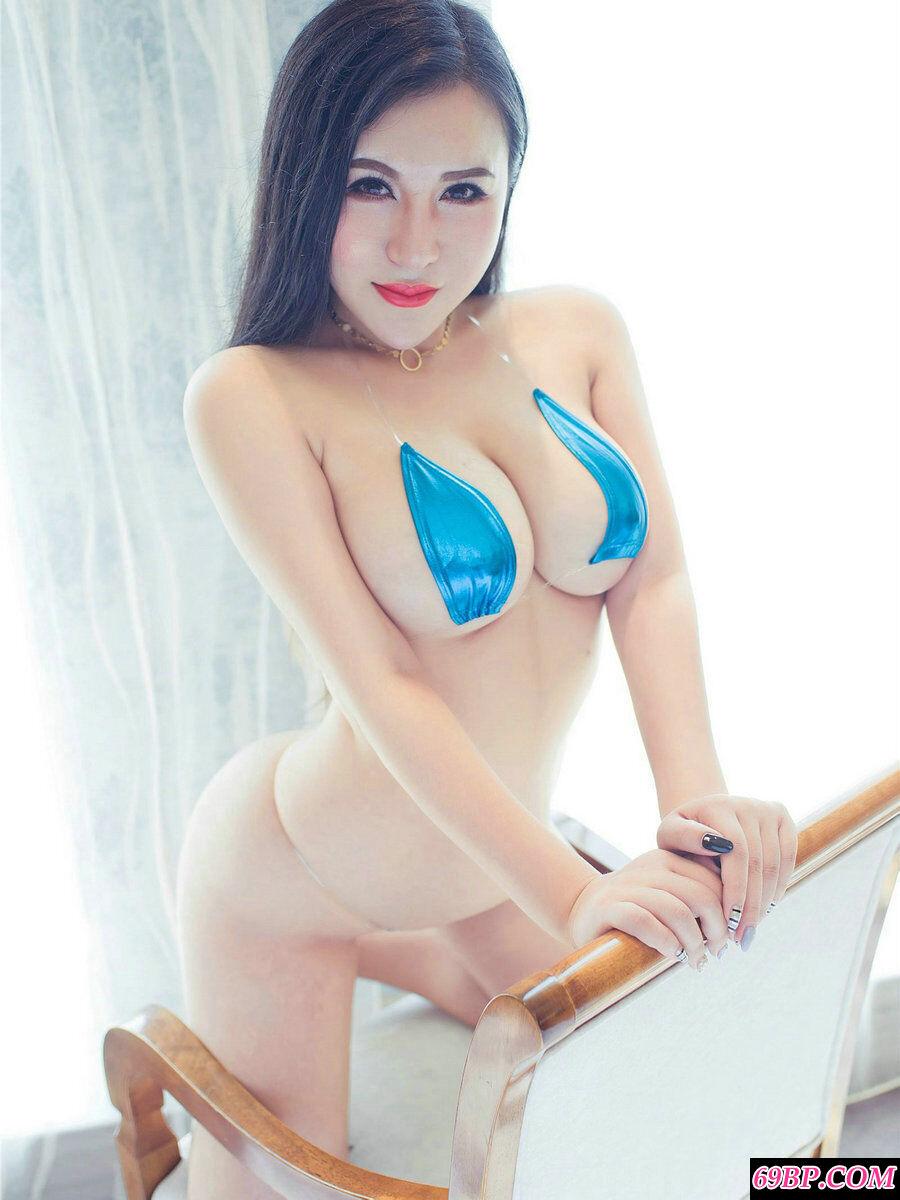 [秀人网]No.867白皙名模MODEL伊若薄透泳装