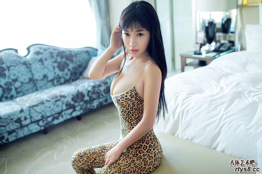 丰腴高挑的超模Rita钻石会员图